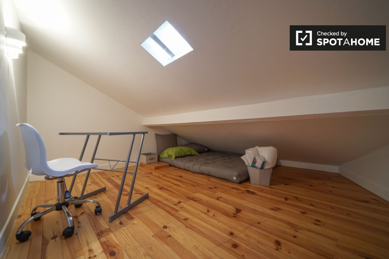 Double Bed in Rooms for rent in stylish, 2-bedroom duplex apartment in Bagnolet
