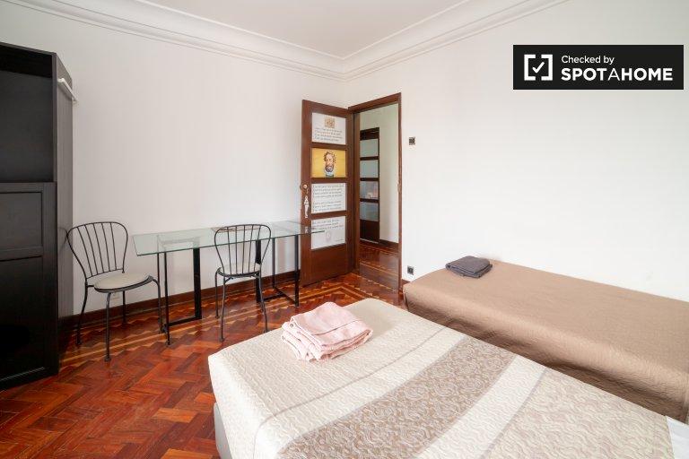 Zweibettzimmer zu vermieten, 6-Zimmer-Wohnung, Santo António
