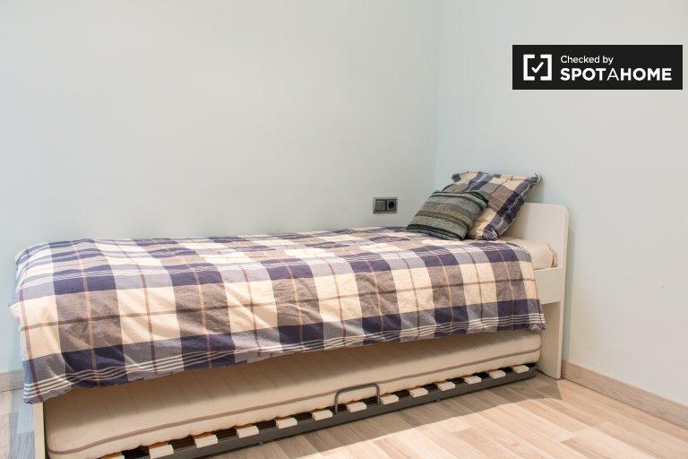 Habitación luminosa en alquiler en el apartamento de 3 dormitorios, Les Corts
