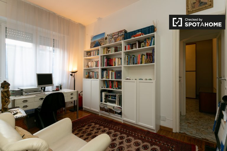 Chic 1-bedroom apartment for rent in Milanofiori, Milan