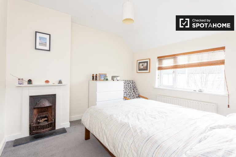 Chambre à louer dans une maison de 2 chambres à coucher à Drimnagh, Dublin