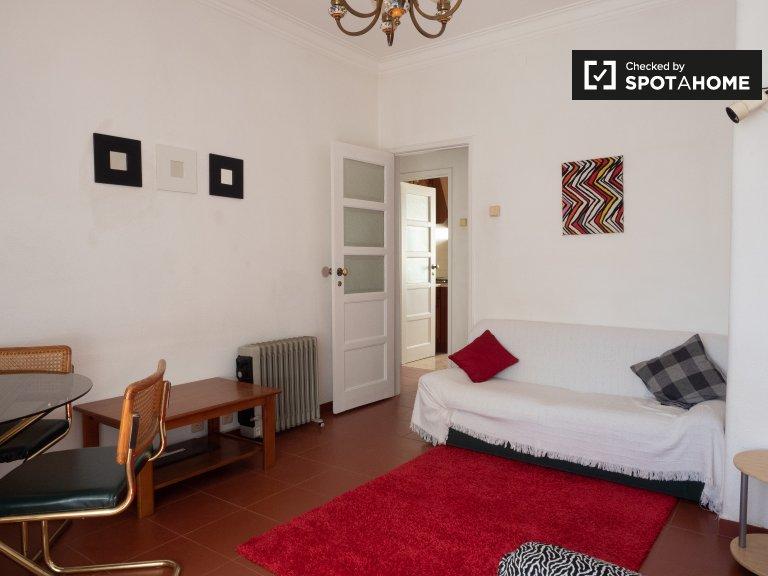 Apartamento com 2 quartos para alugar em Benfica, Lisboa