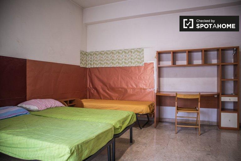 Quarto para alugar em apartamento de 3 quartos em Portuense, Roma