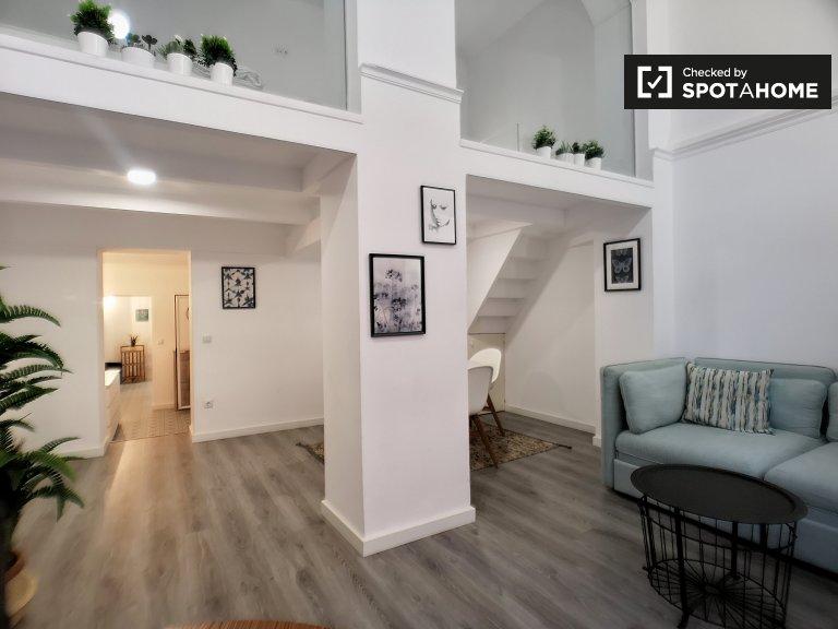 Divertido apartamento de 2 quartos para alugar em Sant Antoni, Barcelona