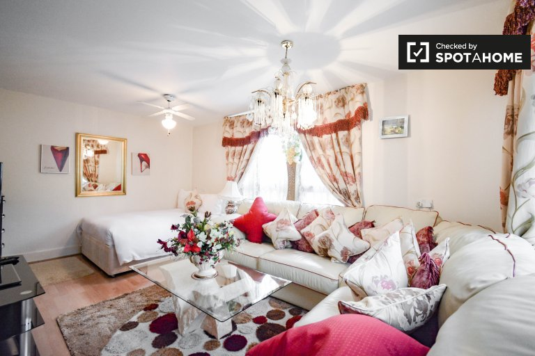 Przytulny pokój do wynajęcia w rezydencji w Brixton w Londynie