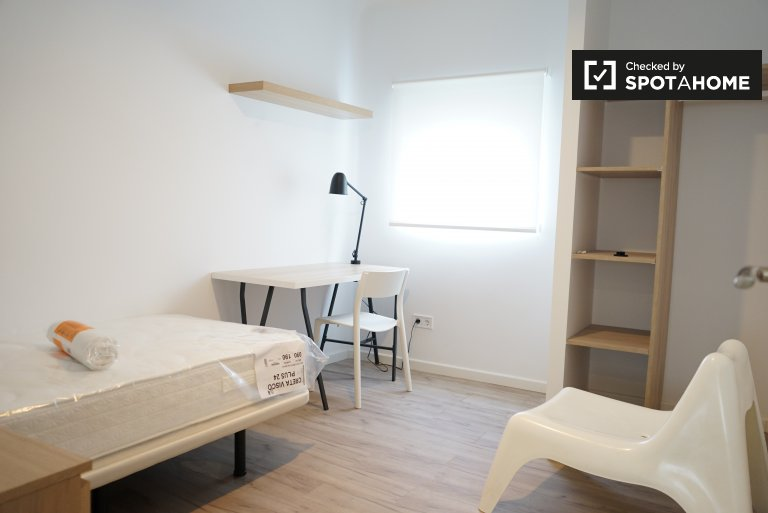 Single room for rent, 3-bedroom apartment, Getafe, Madrid