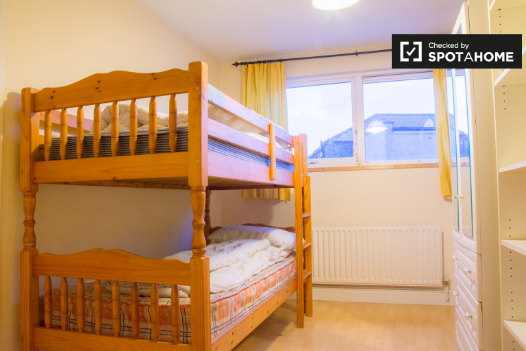 Big shared room in 2-bedroom apartment in Stoneybatter