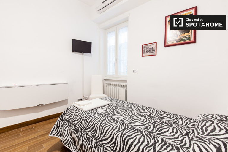 Pokój jednoosobowy w apartamencie w San Giovanni w Rzymie
