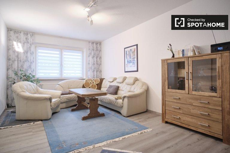 Apartamento com 2 quartos para alugar em Marzahn-Hellersdorf