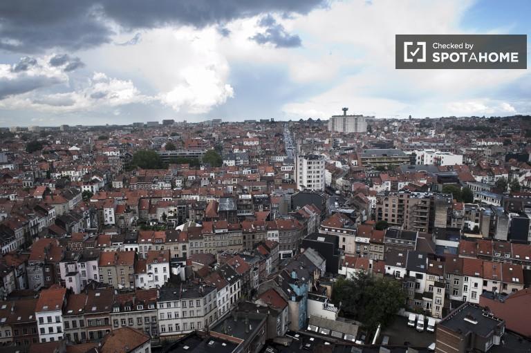 Modern Studio zu vermieten mit Balkon, Saint-Josse, Brüssel