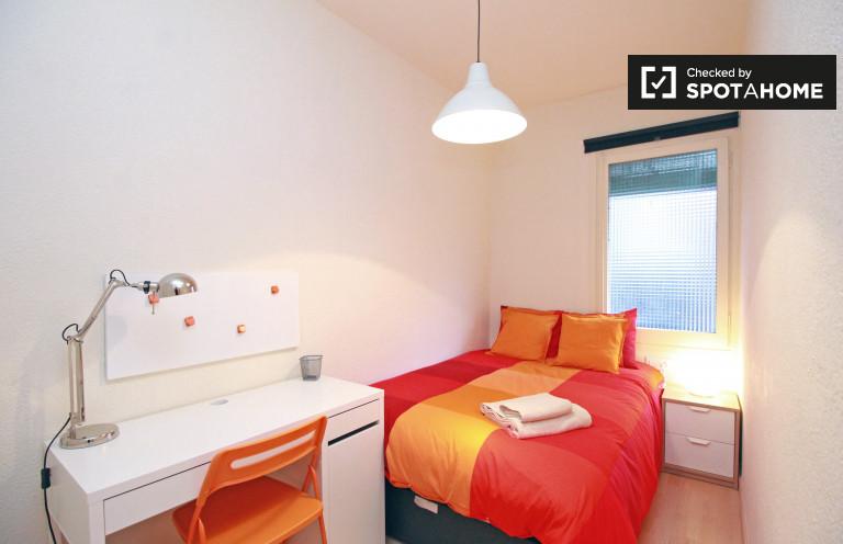 Chambre chic dans un appartement partagé à Eixample, Barcelone