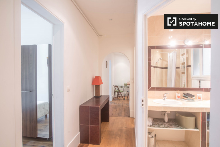 Stylish 2-Bedroom Apartment in the 18th Arrondissement