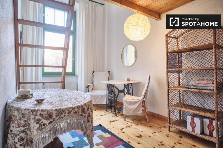 Quarto para alugar em apartamento aconchegante com 2 quartos, Schöneberg