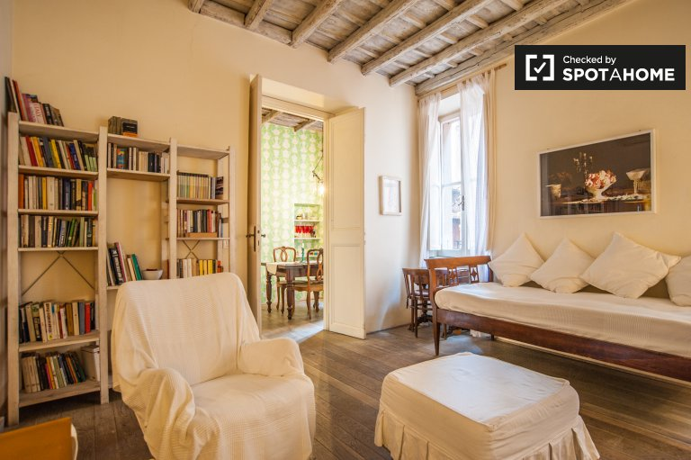 Lovely 2-bedroom apartment to rent in Municipio I