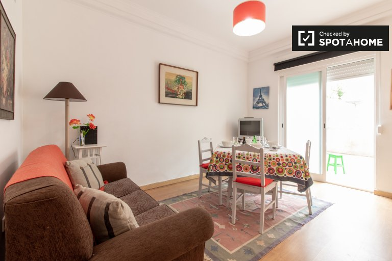 Chic 2-bedroom apartment for rent in Sao Domingos de Benfica