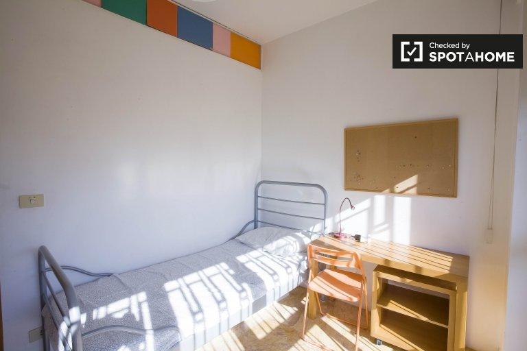 Stanza in affitto in appartamento con 6 camere da letto a Monteverde, a Roma