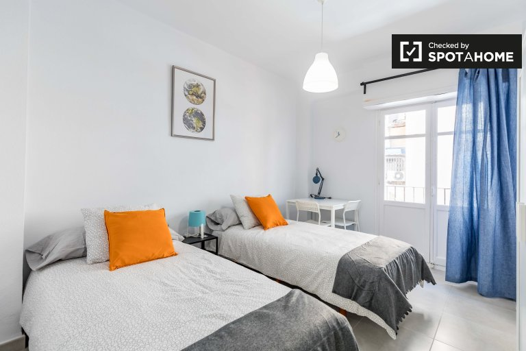 Helles Zimmer in 3-Zimmer-Wohnung in Poblats Marítims