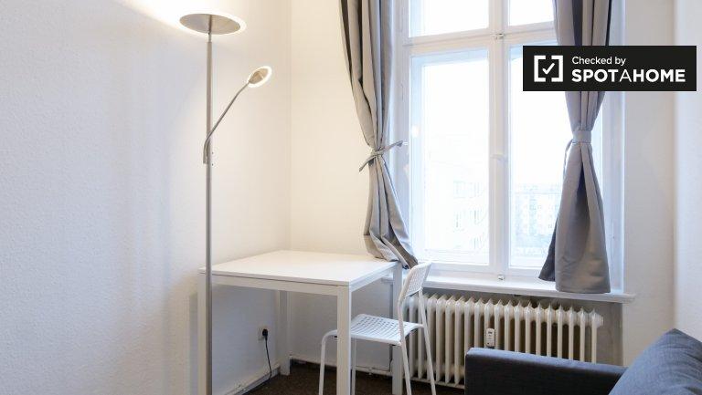Quarto moderno para alugar em apartamento de 4 quartos, Mitte, Berlim