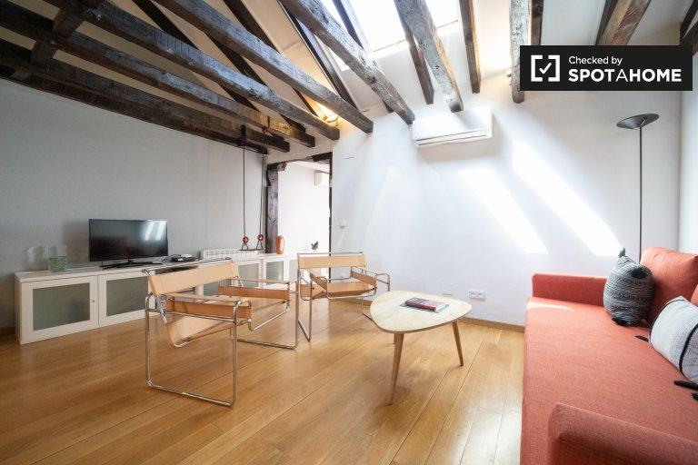 Luminoso de 2 dormitorios en alquiler en Malasaña, Madrid