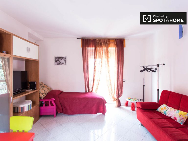 Fashionable 1-bedroom apartment in Cinisello Balsamo, Milan