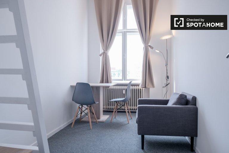 Zimmer zur Miete in 5-Zimmer-Wohnung in Mitte, Berlin