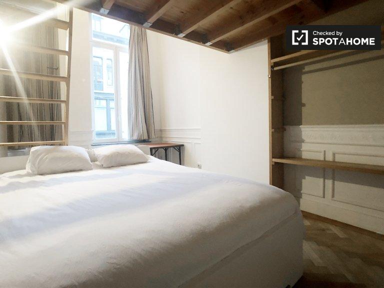 Se alquila habitación en casa de 4 dormitorios en Ixelles, Bruselas