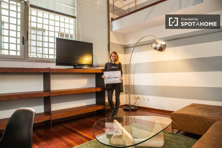 Modern 3 Bedroom Flat no bairro Gràcia de Barcelona
