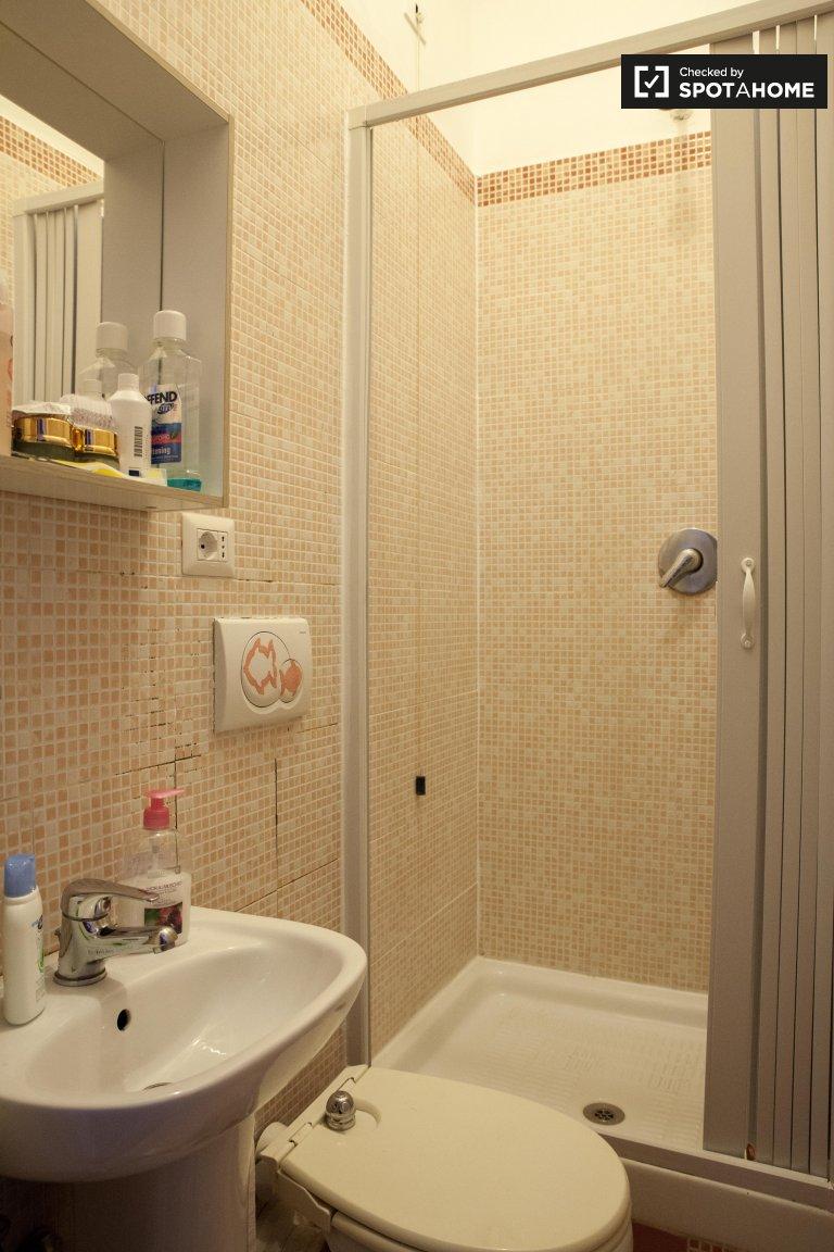 Gemütliches Zimmer in 5-Zimmer-Wohnung in Pigneto, Rom
