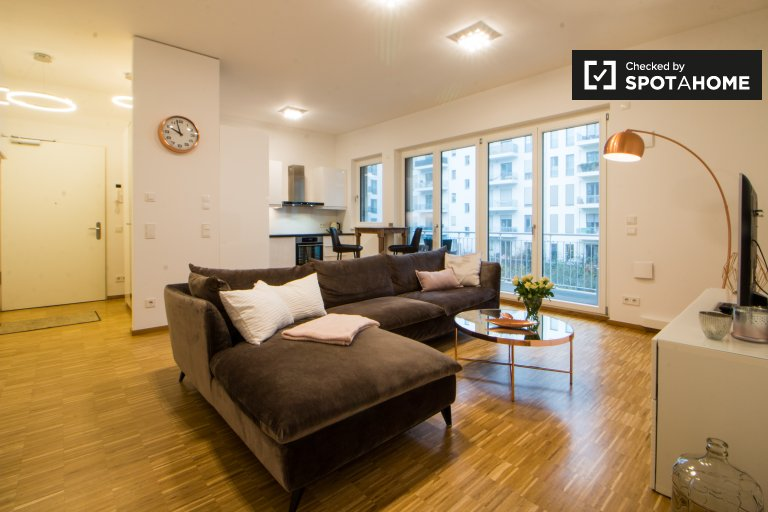 Fashionable 1-bedroom apartment for rent near the Spree in Friedrichshain