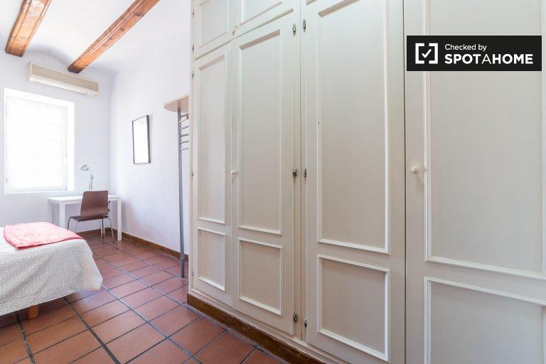 Luminous sypialnia do wynajęcia w 3-pokojowe mieszkanie