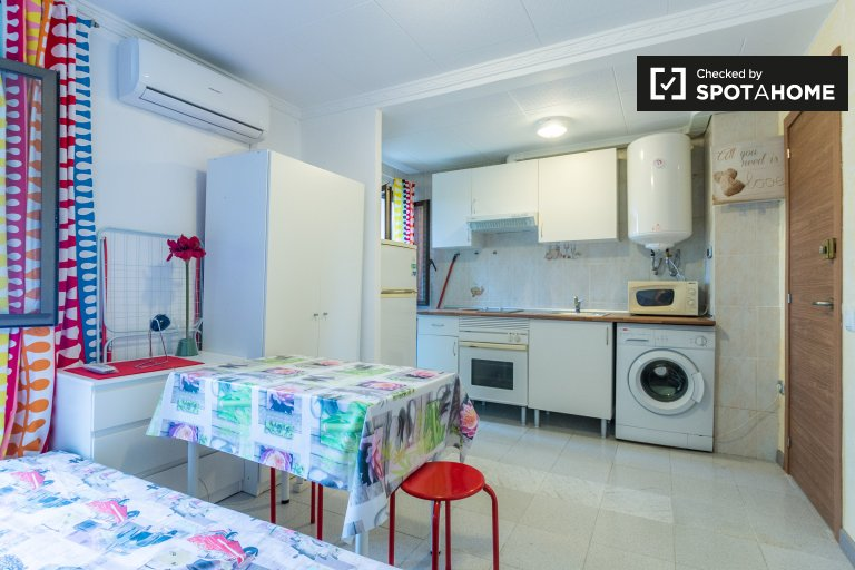 Cosy studio apartment for rent in Poblenou, Barcelona
