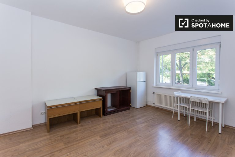 Bright studio apartment to rent in Kreuzberg, Berlin