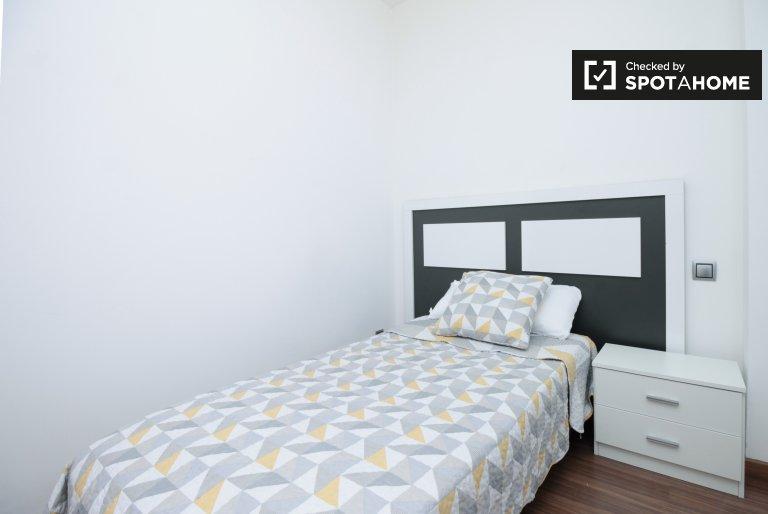 Chambre à louer dans un appartement de 3 chambres à El Raval, Barcelone
