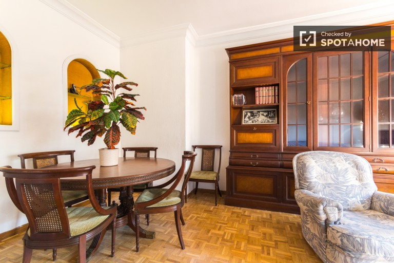 Spacious 4 Bed Apartment for Rent, Chamartin, Madrid