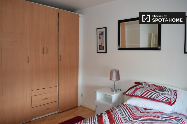 Cozy room in houseshare in Cherry Orchard, Dublin