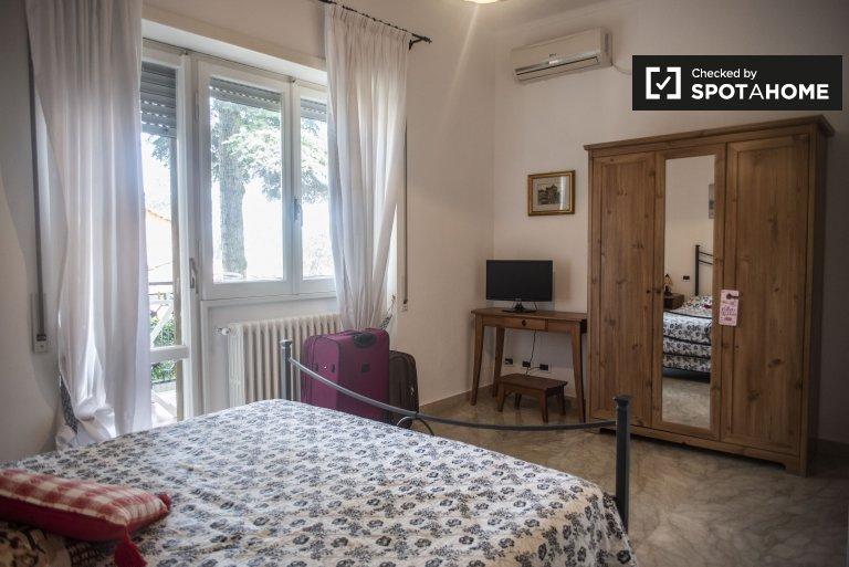 Umeblowany pokój wspólny w apartamencie w Aurelio