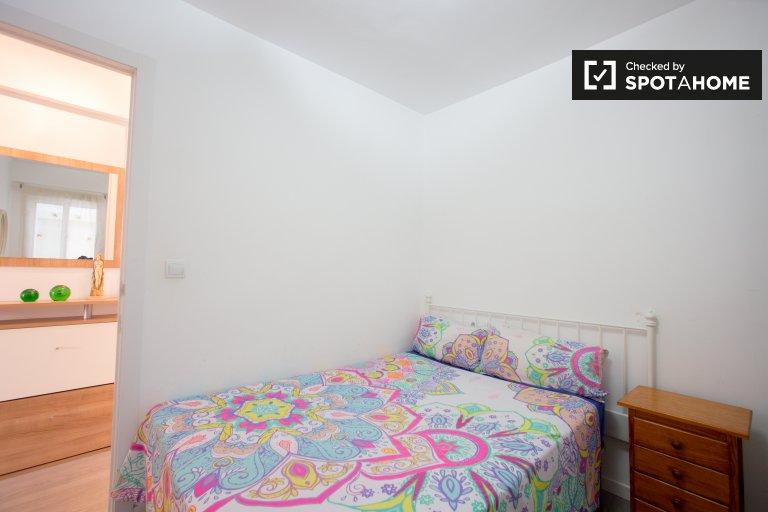 Chambre à louer dans un appartement de 3 chambres à Camins al Grau, Valence