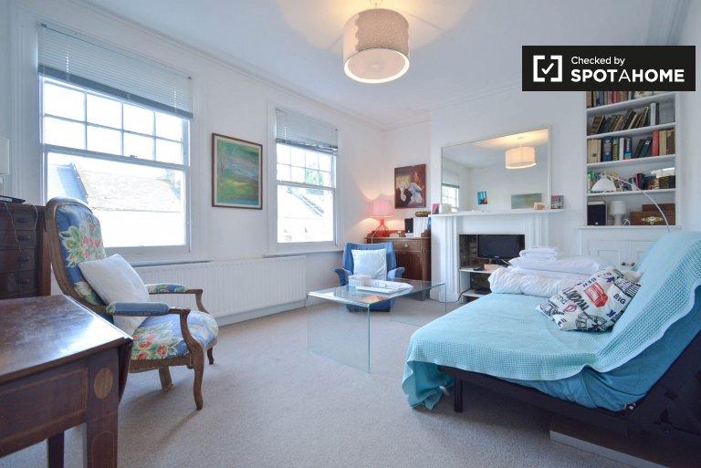 Charmantes Haus mit 2 Schlafzimmern in Hammersmith in London