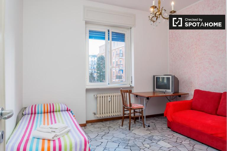Bedroom - single bed