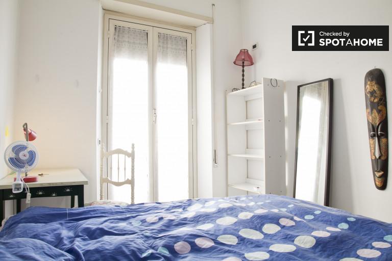 Bedroom 4 - queen bed and balcony