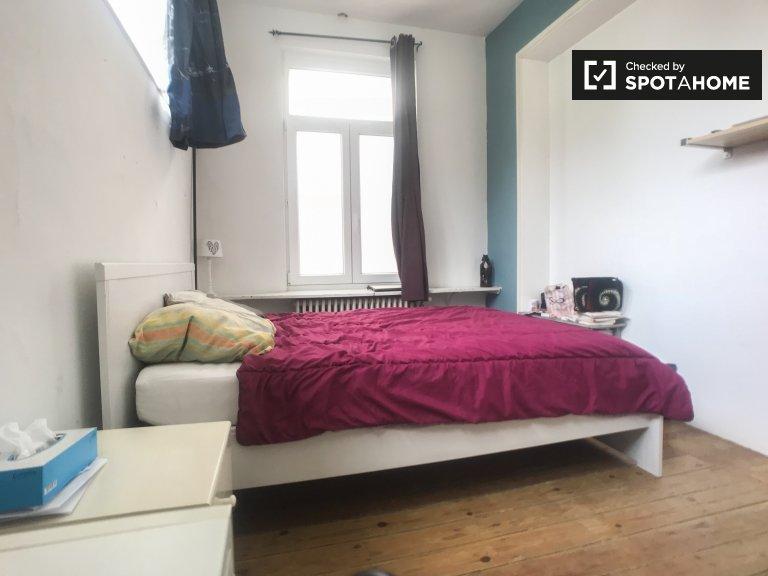 Gemütliches Zimmer zur Miete in 3-Zimmer-Wohnung, Schaerbeek, Brüssel