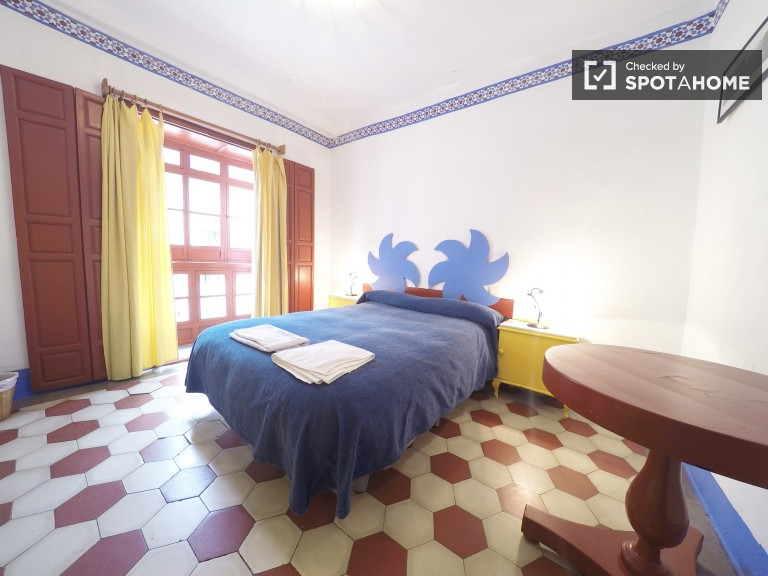Room type A with double bed