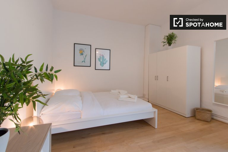 Moderno estudio en alquiler en Mitte, Berlín