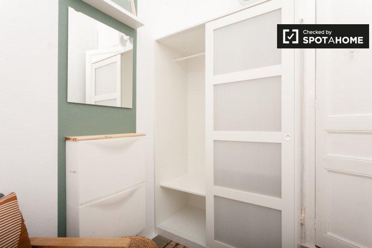 Quarto para alugar em apartamento de 9 quartos em Gracia, Barcelona