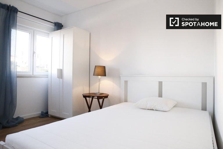 Chambre confortable dans un appartement de 4 chambres à Benfica, Lisbonne
