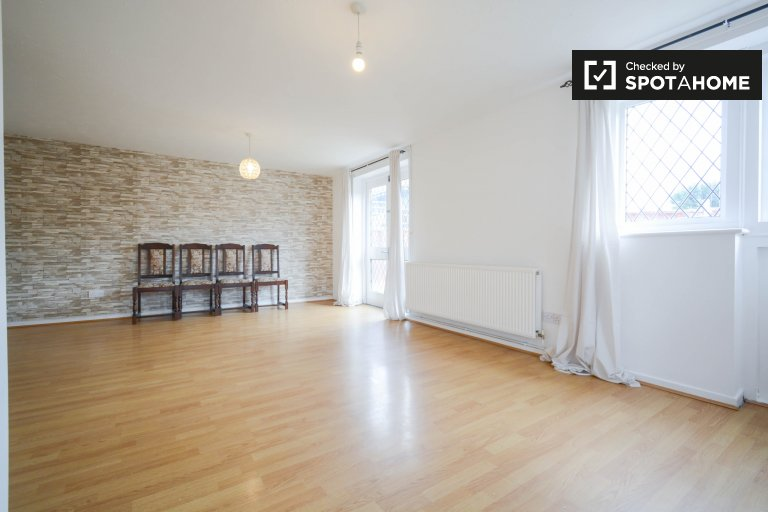 Spacious 3-bedroom flat for rent, Tower Hamlets