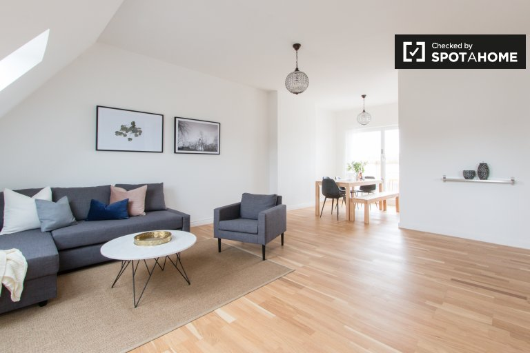 Big apartment with 3 bedrooms for rent in Charlottenburg