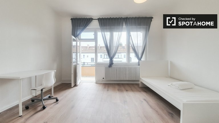 Zimmer zu vermieten in 3-Zimmer-Wohnung in Britz, Berlin