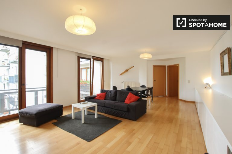 Brüksel, Ixelles'de kiralık geniş 3 yatak odalı daire