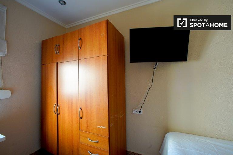 Chambre à louer dans un appartement de 3 chambres à Camins al Grau